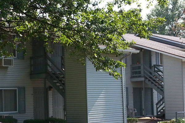 Harlan Estates Apartments Are Located In Farmington Mo Off Of Karsh Blvd The Neighborhood While Living You Have